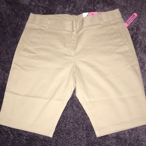 IZOD school uniform shorts!  Juniors size 5! NWT!